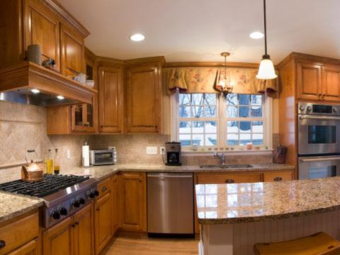 Thiết kế hệ thống ánh sáng phù hợp sẽ giúp ta dễ dàng trong quá trình nấu ăn