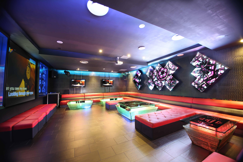 phong-karaoke-dep-25 Chiêm ngưỡng các thiết kế phòng Karaoke đẹp nhất hiện nay
