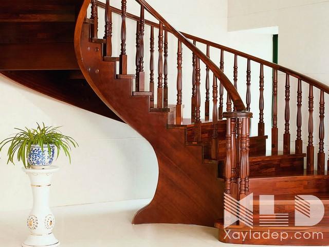 Cầu thang nên lựa chọn các loại gỗ tốt và chất lượng