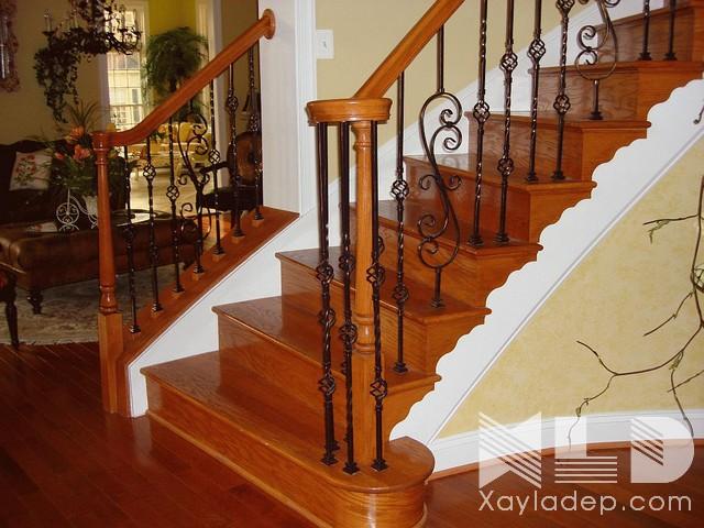 Kết hợp hoa sắt và gỗ đang là xu hướng hot nhất cho các công trình xây dựng hiện nay.
