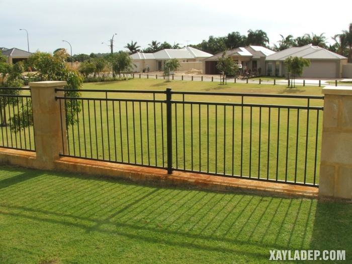 Hình 16: các mẫu hàng rào sắt đẹp