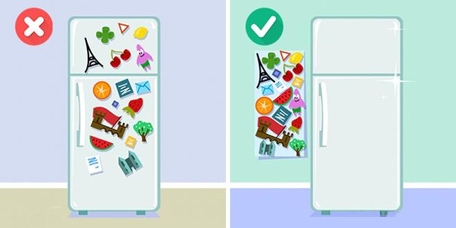 Những món đồ lưu niệm rất hay được các gia đình lựa chọn để treo lên cánh tủ. Tuy nhiên nó làm cho phòng bếp của bạn trở nên rối mắt hơn. Bạn nên dính chúng vào 1 tấm bảng ngay cạnh thay vì trên cánh tủ