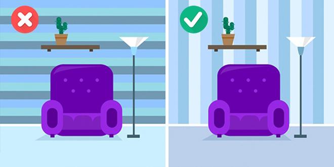 Giấy dán tường tối màu và kẻ ngang khiến căn phòng nhỏ lại. Bạn hãy lựa chọn kẻ sọc và màu sáng để phòng có cảm giác được nới rộng.