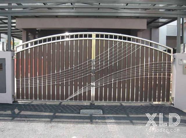 3 | Inox và gỗ là 2 vật liệu tạo nên mẫu cổng đẹp này
