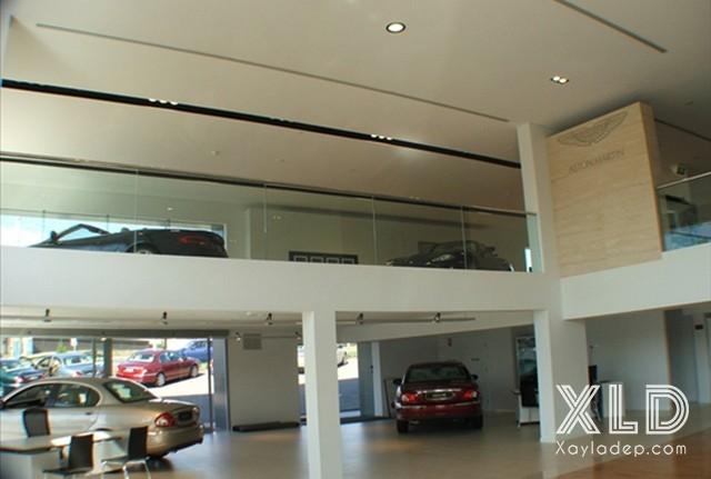 5. Mẫu trần đẹp cho các showroom ô tô