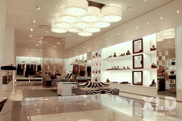 2. Mẫu trần thạch cao dành cho các cửa hàng thời trang