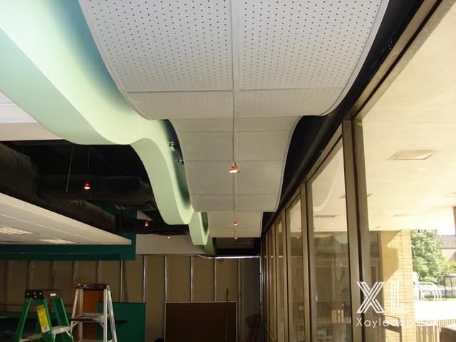tran-thach-cao-cho-cua-hang-showroom-6-1 20 Mẫu trần thạch cao tuyệt đẹp cho cửa hàng - showroom - shop