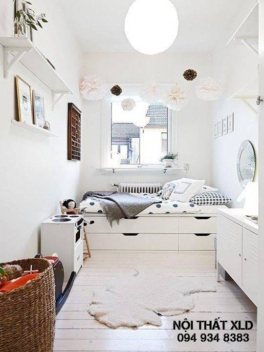 Những chiếc giường thông minh với ngăn chứa đồ là lựa chọn không hề tồi cho việc nâng cao diện tích sử dụng. Các khu vực dưới gầm giường là nơi cất giữ lý tưởng cho gối, chăn hay các vật dụng khác