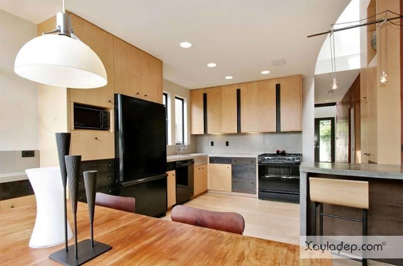 phong-bep-voi-go-va-mau-den-20 22 Mẫu thiết kế phòng bếp ấn tượng kết hợp giữa gỗ và gam màu đen