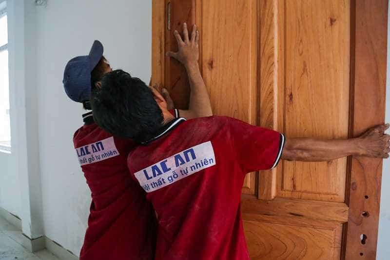 cửa gỗ tự nhiên, Bật mí những lý do bạn nên chọn cửa gỗ tự nhiên thi công tại nội thất Lạc An, Nhà đẹp