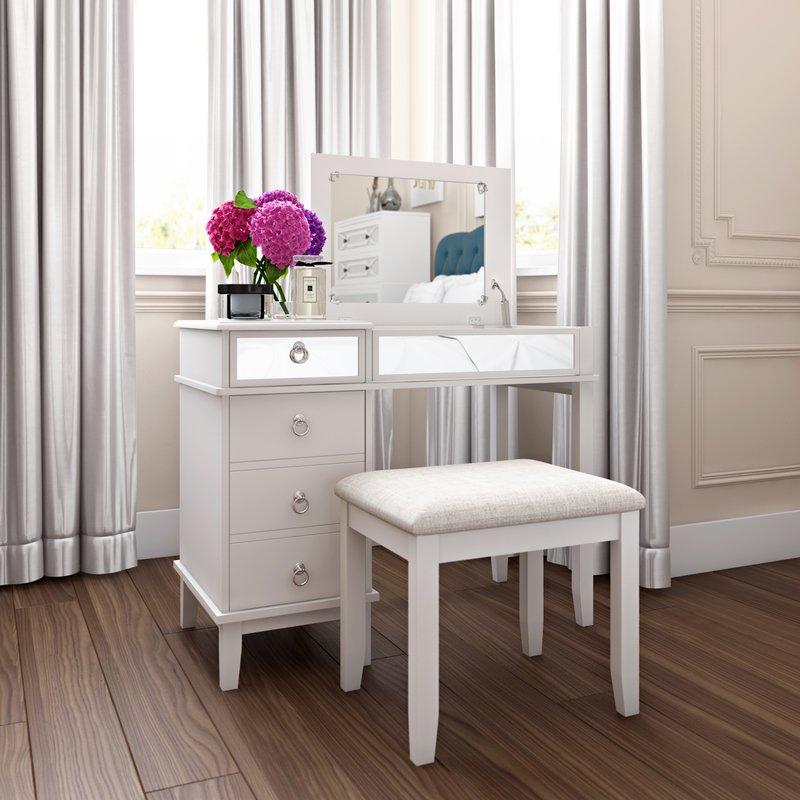 9. mẫu bàn trang điểm màu trắng tinh tế