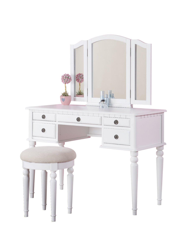 2 | Mẫu bàn trang điểm đẹp mày hồng phấn