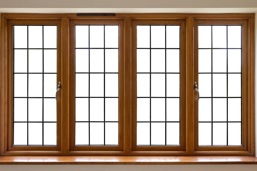 Cửa sổ bằng gỗ luôn là giải pháp thiết kế phổ biến vì chúng đáp ứng nhu cầu về vẻ đẹp, độ bền, độ bảo trì tối thiểu và mang nhiều hiệu quả kinh tế cho gia đình.