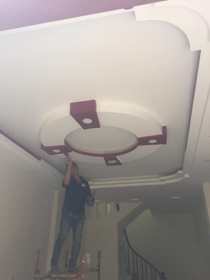 1. Các mẫu trần thạch cao phòng khách nhà ống