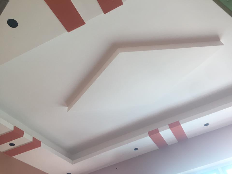 2. Mẫu trần thạch cao phòng khách hình thoi