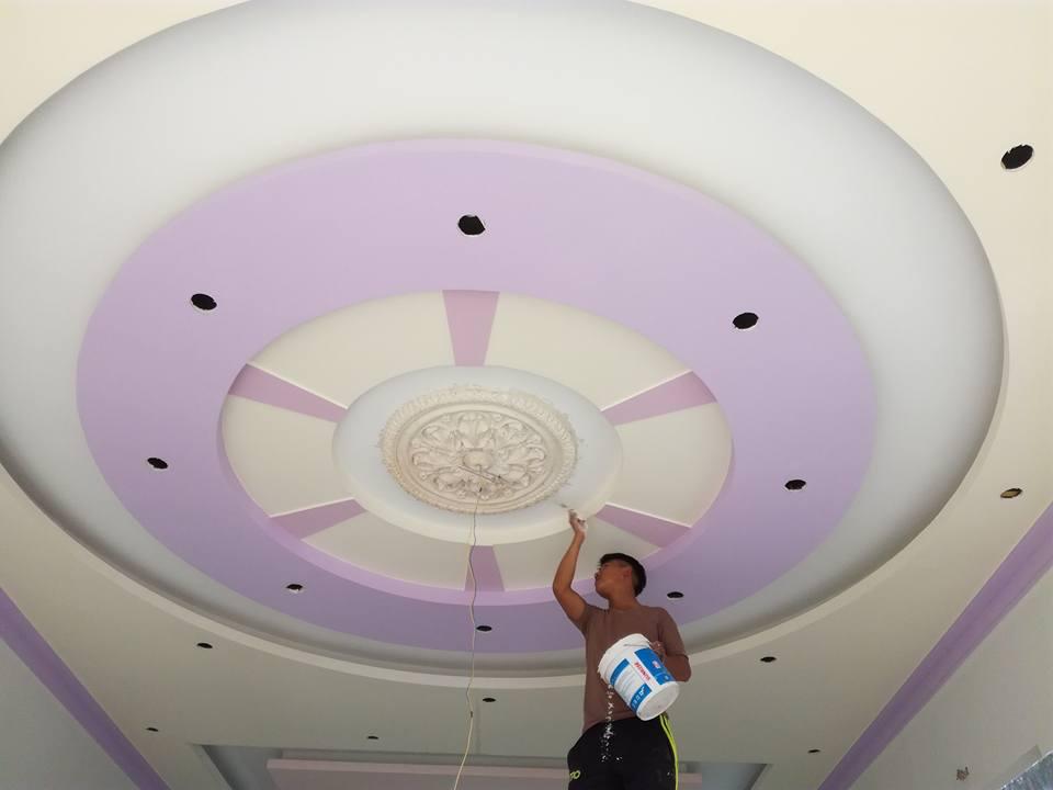 6. Mẫu trần thạch cao phòng khách cổ điển trong hiện đại