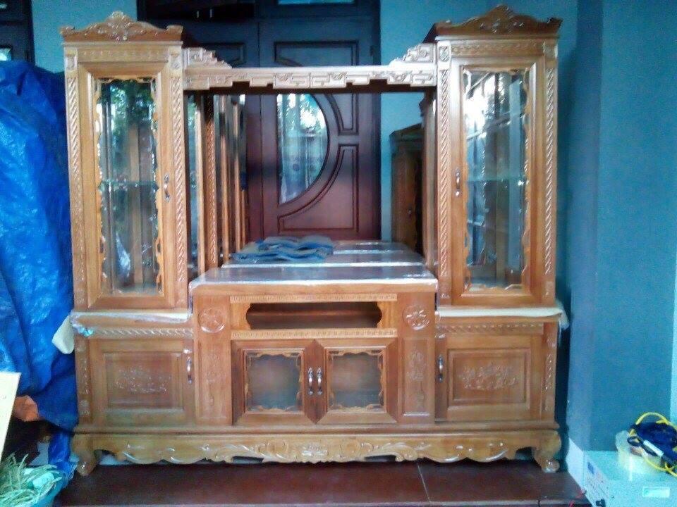 Hình 13: Tủ tivi phòng khách bằng gỗ