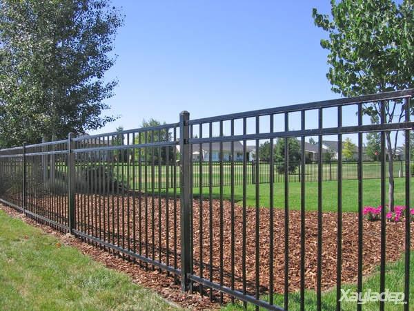 12 | Hàng rào sắt đơn giản