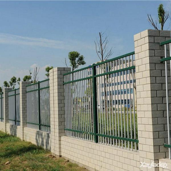 3 | Mẫu hàng rào sắt đẹp đơn giản