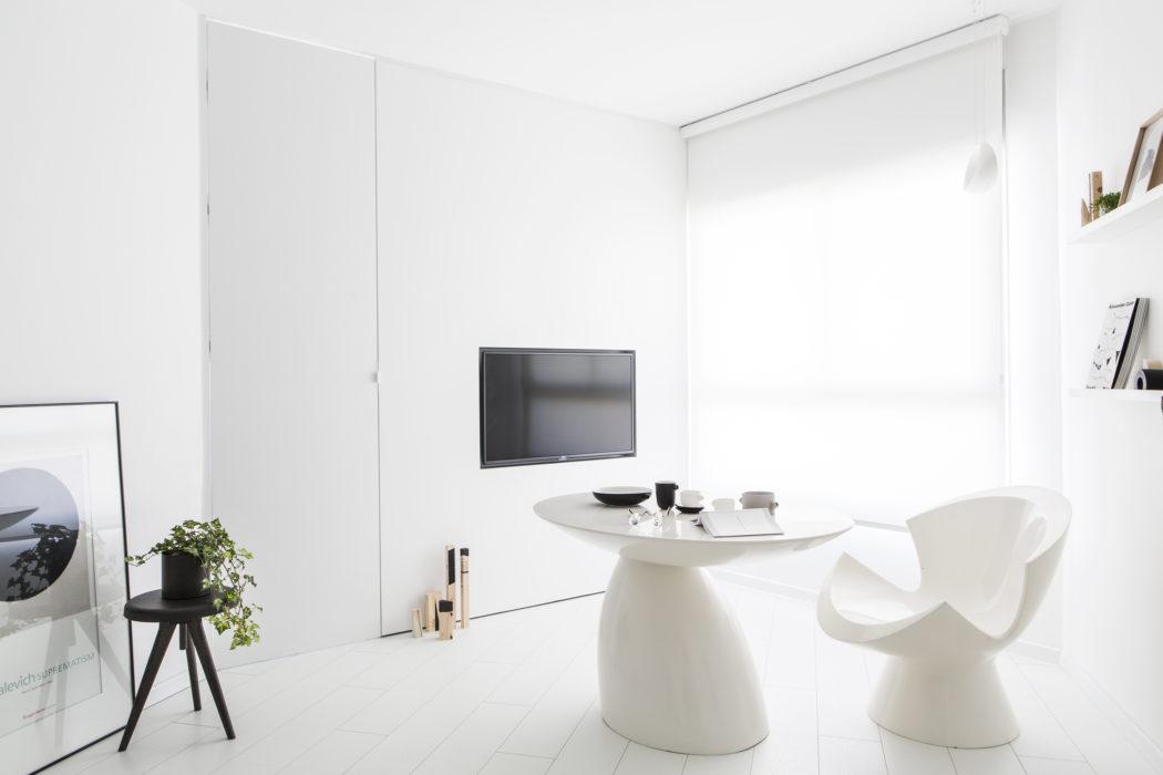 1 | Căn hộ 42m2 tận dụng tối đa diện tích mặt sàn và ánh sáng tự nhiên