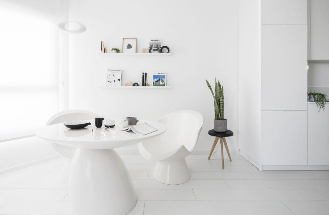 5 | Kệ sách treo tường thiết kế đơn giản