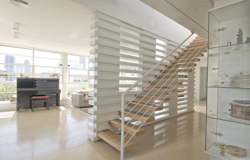 2 | Mẫu vách ngăn cầu thang phong cách hiện đại