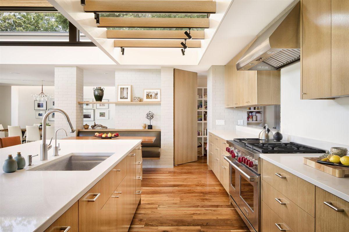 1. Mẫu sàn gỗ đẹp phòng bếp