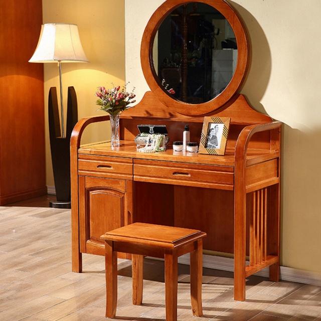 2. Mẫu bàn trang điểm gỗ tự nhiên