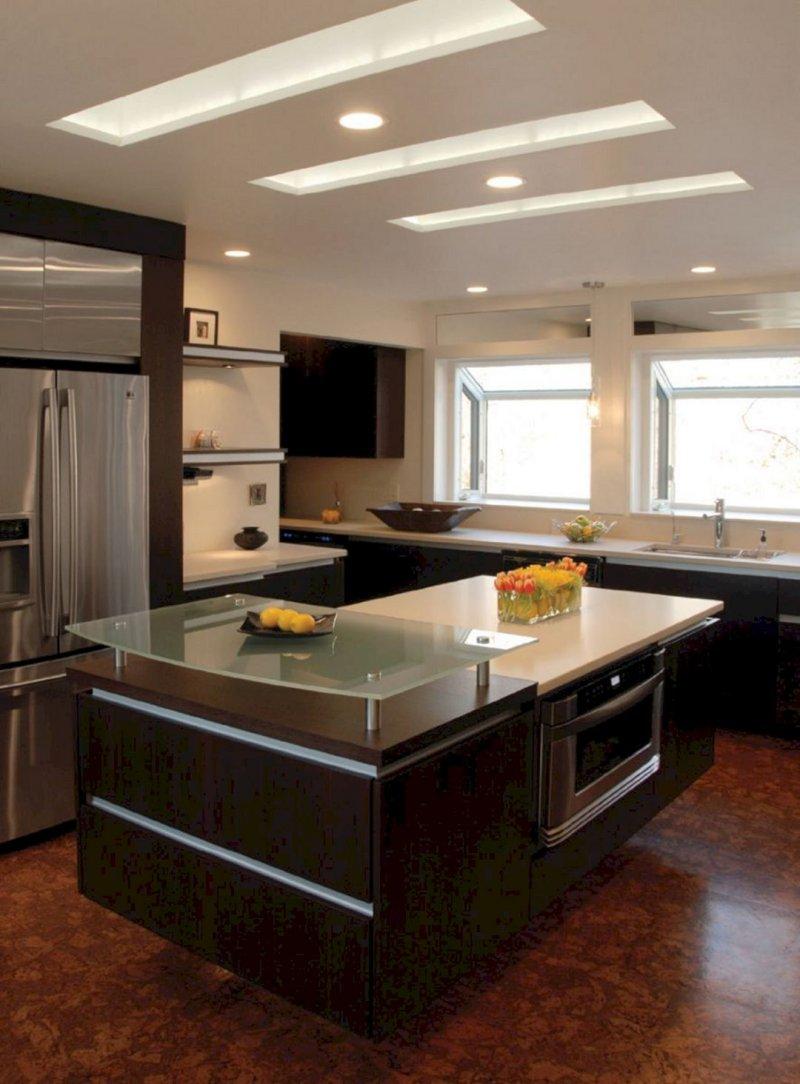 Một mẫu trần thạch cao cho phòng bếp cổ điển