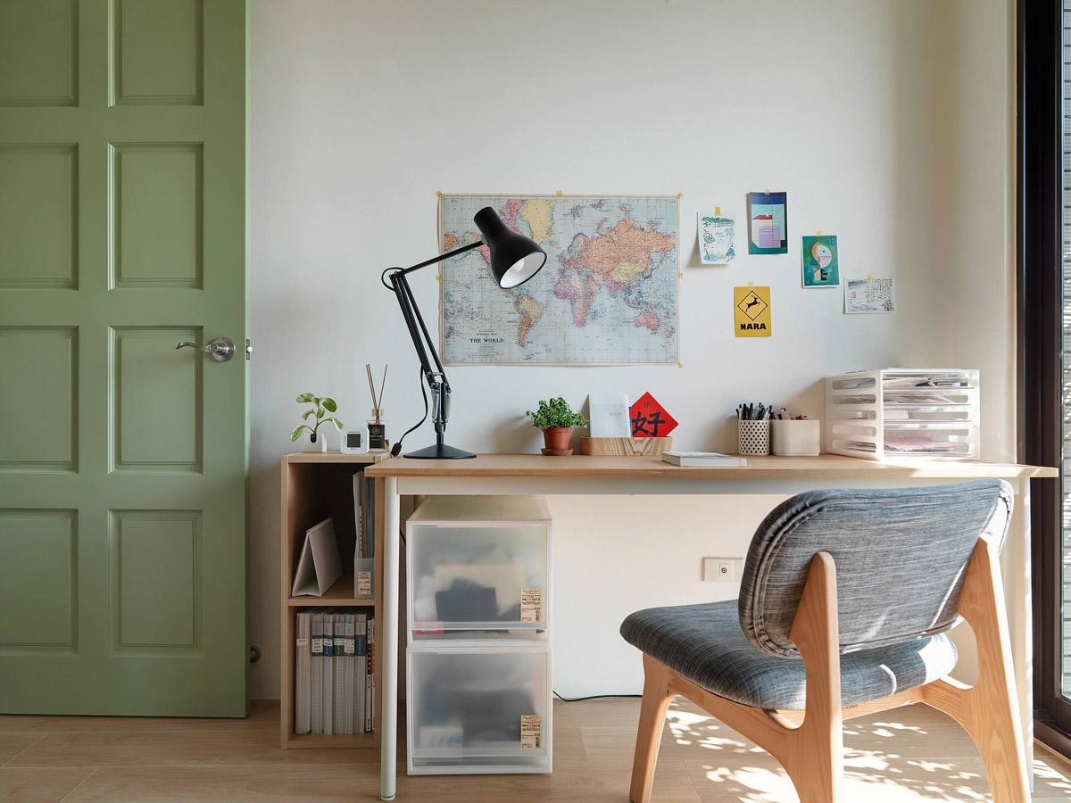 Mẫu thiết kế nội thất chung cư 100m2 2 phòng ngủ phong cách Nhật Bản. bàn làm việc
