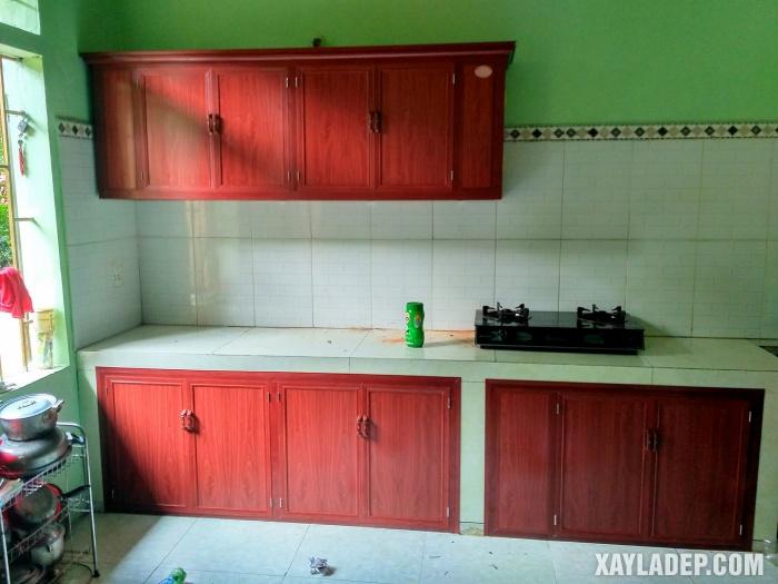 Hình 16: mẫu tủ bếp nhôm kính vân gỗ đẹp