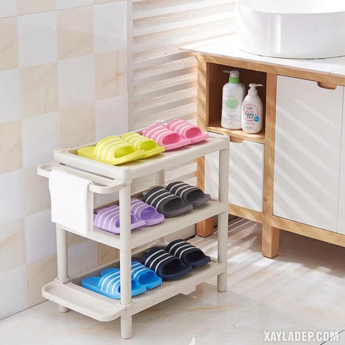 Hình 3: Một chiếc tủ nhỏ xinh trong phòng tắm