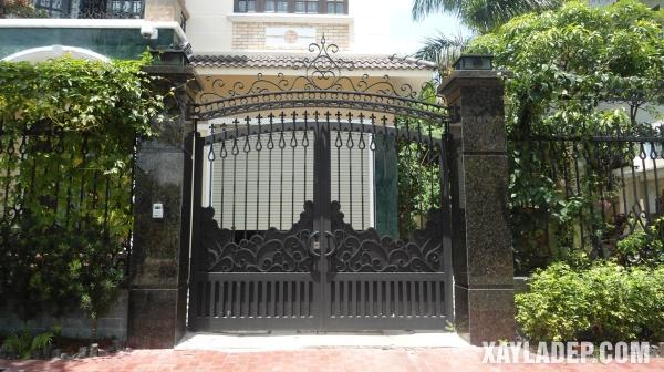 Một mẫu cổng nhà đẹp đặc trưng theo phong cách Việt Nam