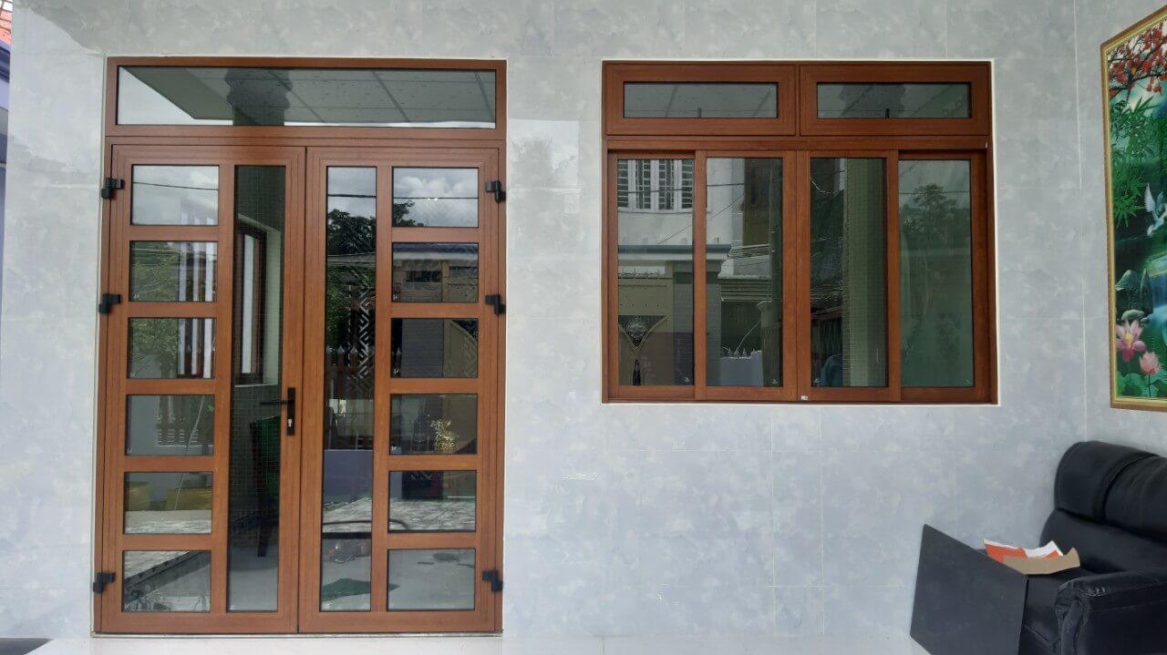 Một bộ cửa nhôm xingfa chính hãng thường dao động từ 2-3tr2/m2