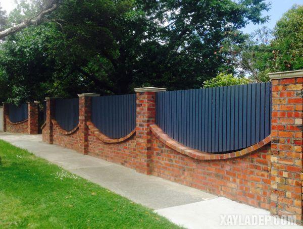 Mẫu hàng rào nông thôn đẹp bằng sắt hộp to bản
