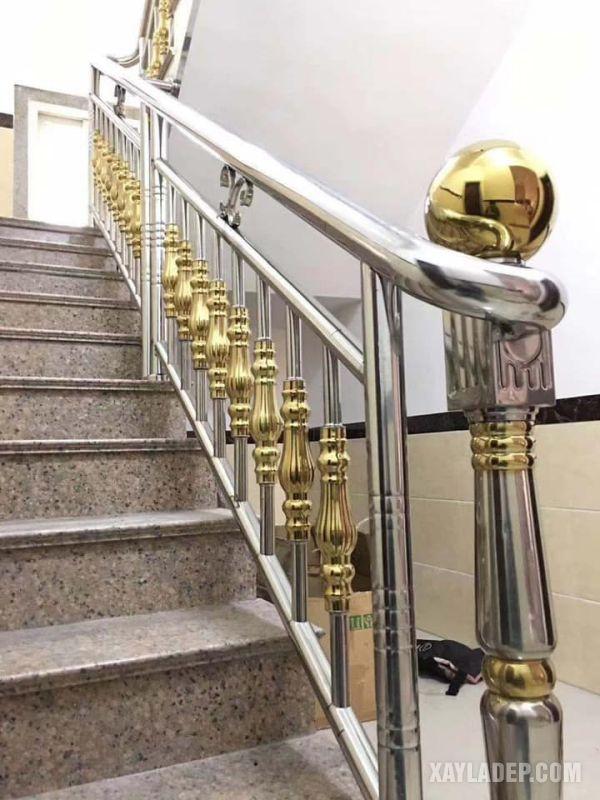 Lan can cầu thang cũng đang rất ưu chuộng loại inox màu này