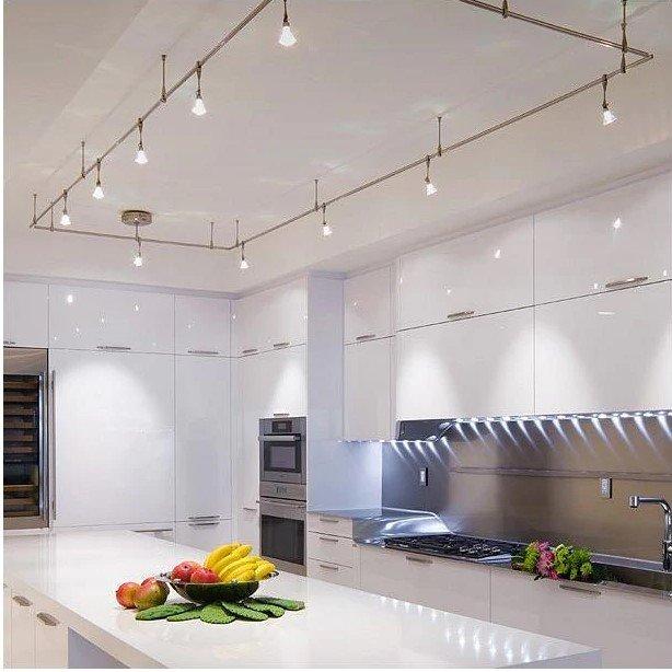 20 Ý tưởng trang trí đèn rọi ray (track light) cho phòng bếp hiện đại den roi ray phong bep 10