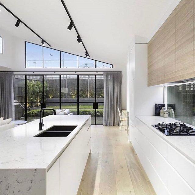20 Ý tưởng trang trí đèn rọi ray (track light) cho phòng bếp hiện đại den roi ray phong bep 16