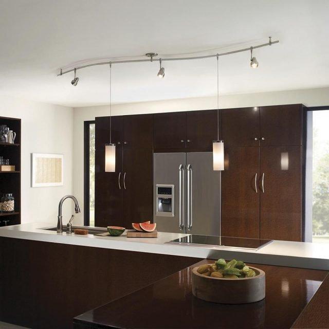 20 Ý tưởng trang trí đèn rọi ray (track light) cho phòng bếp hiện đại