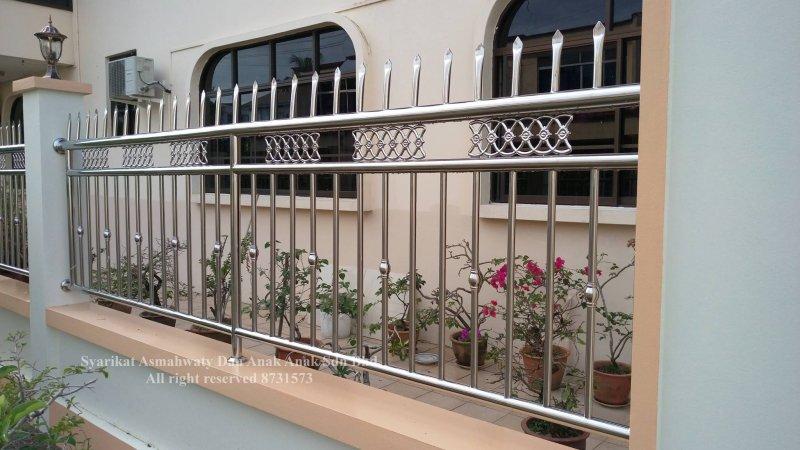Các mẫu hàng rào inox đẹp và an toàn bằng inox 304 mau hang rao inox dep 9