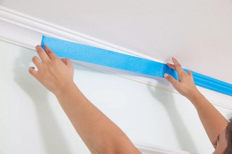 Bảo vệ bề mặt và viền trần trước khi sơn trần