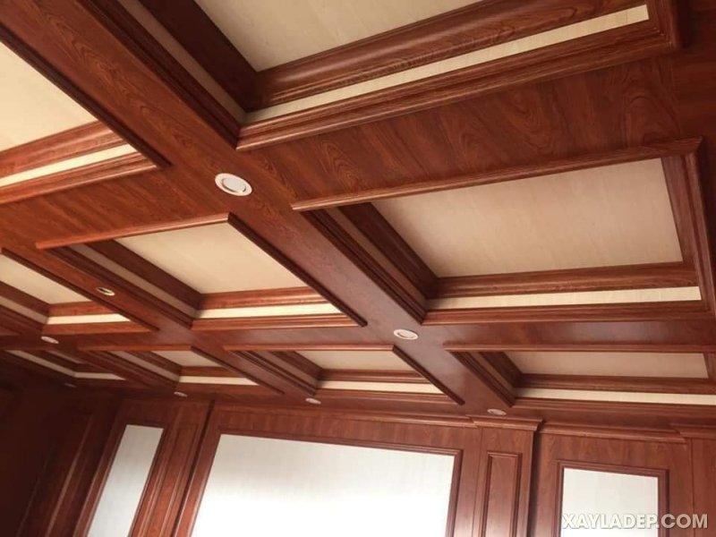 19   Mẫu trần lam nhựa giả gỗ theo thiết kế cổ điển