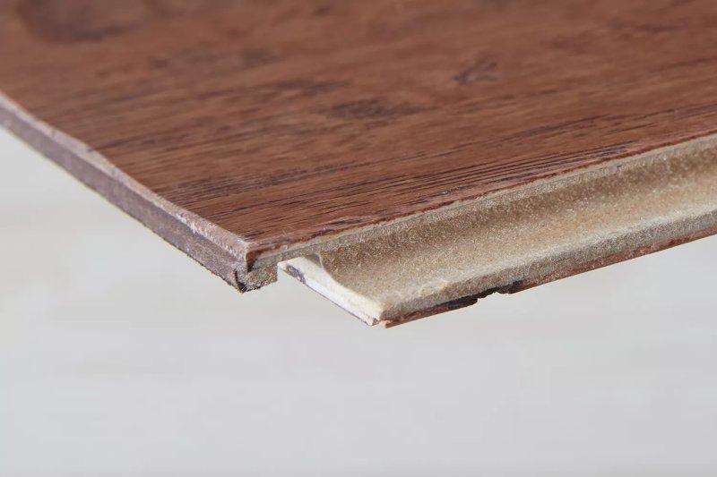 Sàn gỗ kỹ thuật. Margot Cavin / The Spruce